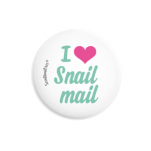 chapa con alfiler I love snail mail
