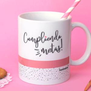 taza de desayuno cumpliendo metas